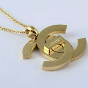 New Chanel Stunning Necklace 💜💜💜💜💜💜💜💜💜💛